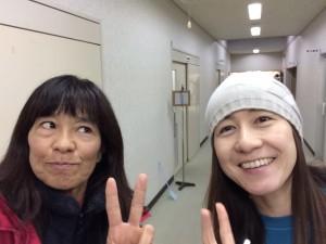 はい。いきなり受け付け会場です。西田由香里さんとツーショット。彼女は同じ長野のめちゃはやいランナー。もちろんゲストです。