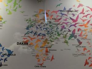ホテルデスクにあった地図。ダカールの文字が大きいことにびっくりした!
